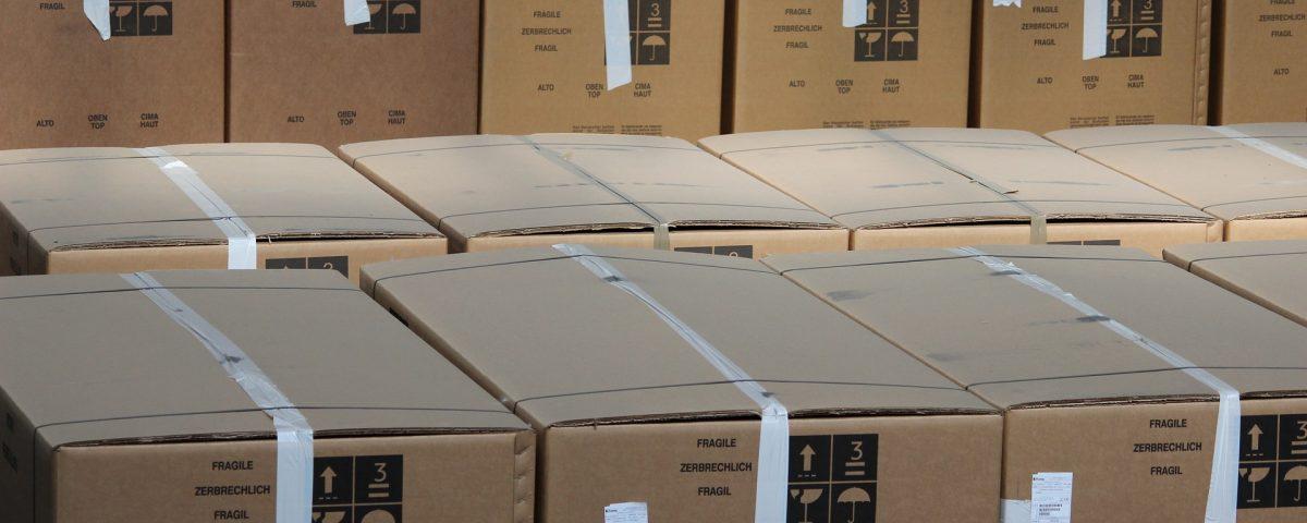 Mgazynowanie pudel kartonowych