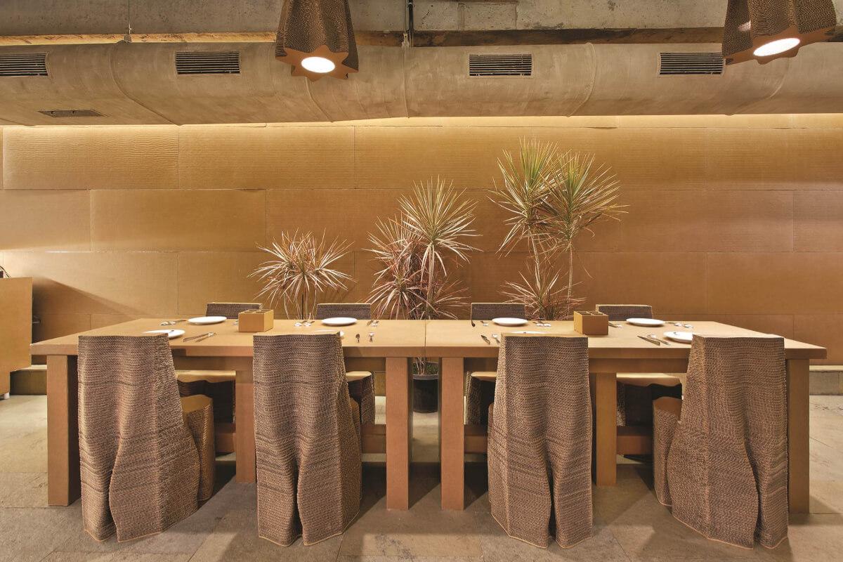 Cardboard cafe - bombay nude architects - wnętrze kawiarni - 3