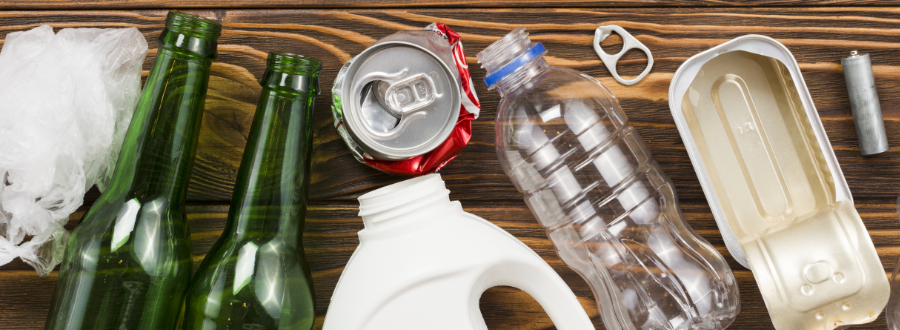 Różne odpady do recyklingu. Czy wiesz, jak segregować śmieci?